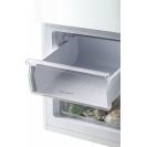 Стоїть окремо холодильник з нижньою морозильною камерою Candy CMCL 5142WN; Скляні полиці більш стійкі, краще зберігають свіжість; Можливість перенавешиванія двері; 2 ящика в морозильній камері