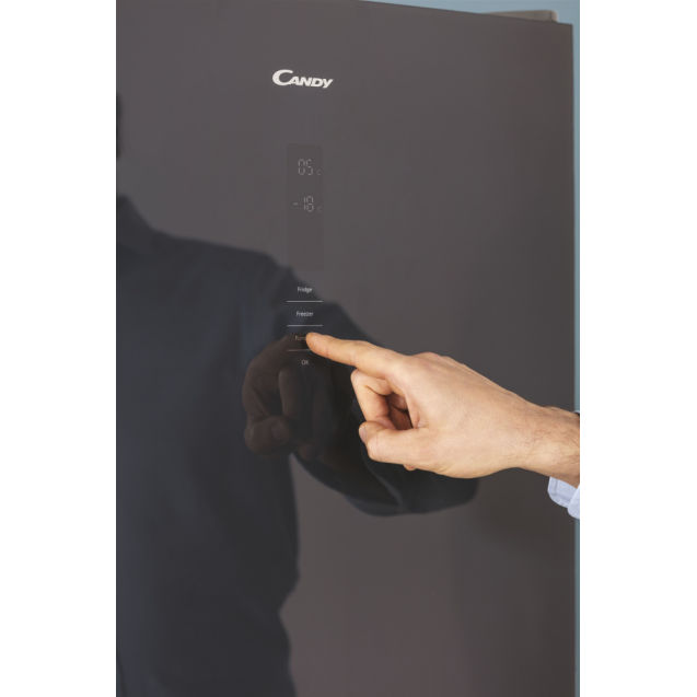 Стоїть окремо холодильник з нижньою морозильною камерою Candy CMGN 6204MANN; Система охолодження - NoFrost; LED освітлення з електронним керуванням; Зона свіжості; Зовнішній сенсорний дисплей