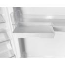 Встраиваемый холодильник с нижней морозильной камерой Candy BCBF 182 N; Комбинированная система охлаждения динамическая/NoFrost; Металлическая стойка для бутылок; На двери есть косметическая полка