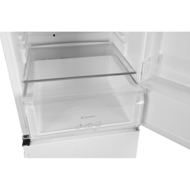 Встраиваемый холодильник с нижней морозильной камерой Candy CKBBS 100/1; Удобная ручка для открытия дверей, большое количество полок для еды, и внутреннее освещение; Зона свежести